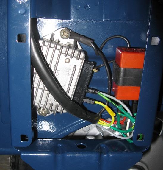 Schema Elettrico Regolatore Di Tensione : E qui il relativo assemblaggio al telaio con l impianto